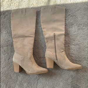 JustFab size 12 Womens boots. Pls see description